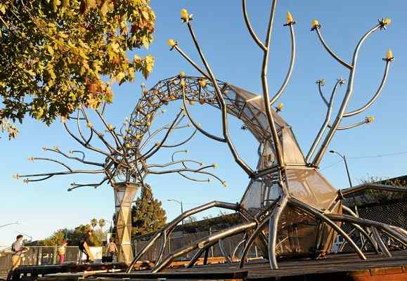 SOMA sculpture arrives in Vallejo